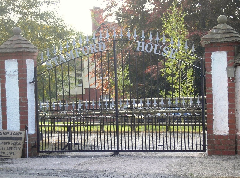 Estate gate with name-1.jpg