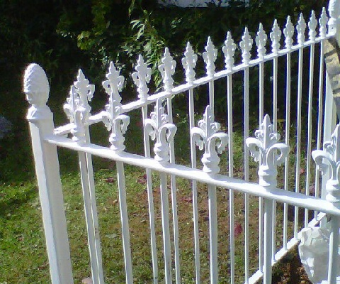 Victorian style railing with pineapple post tops ref 6V1.jpg