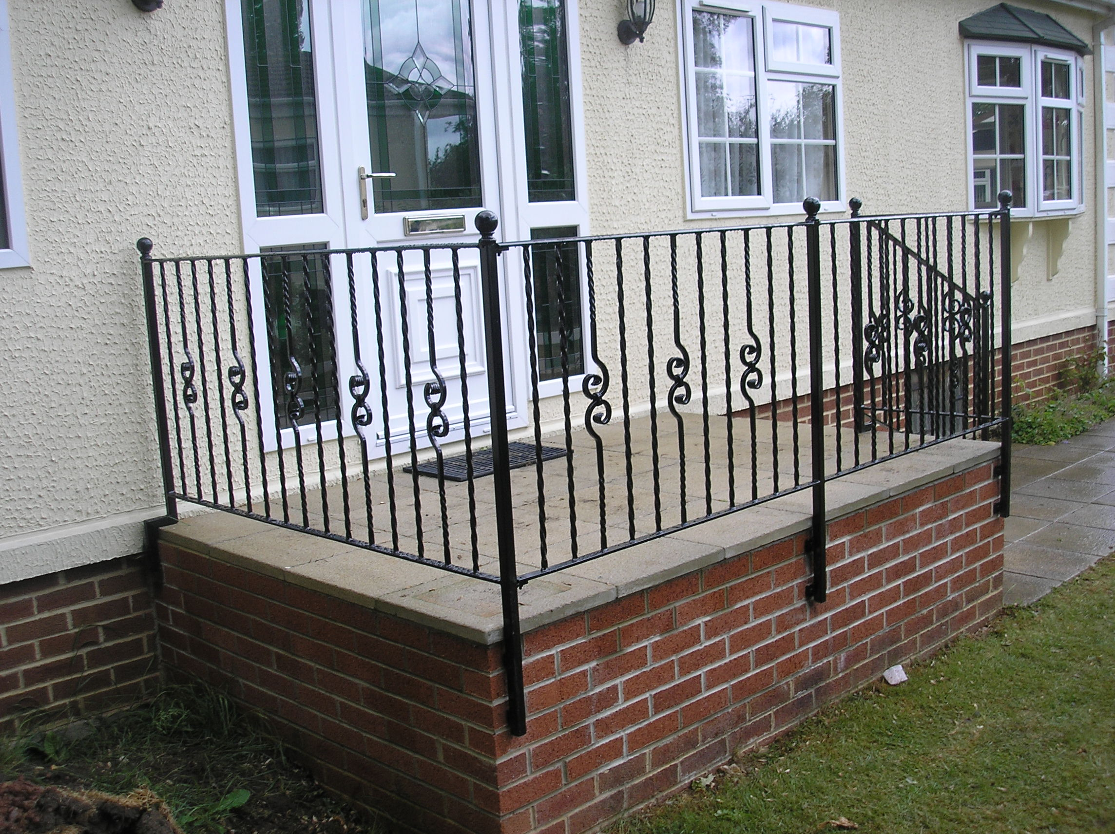 balustrade-external-wall-fixjpg