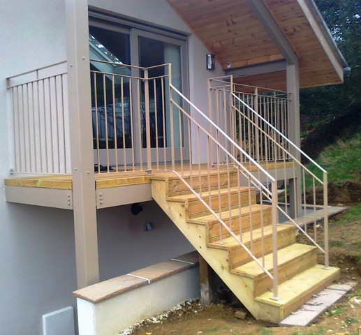 Contemporary Railing.jpg