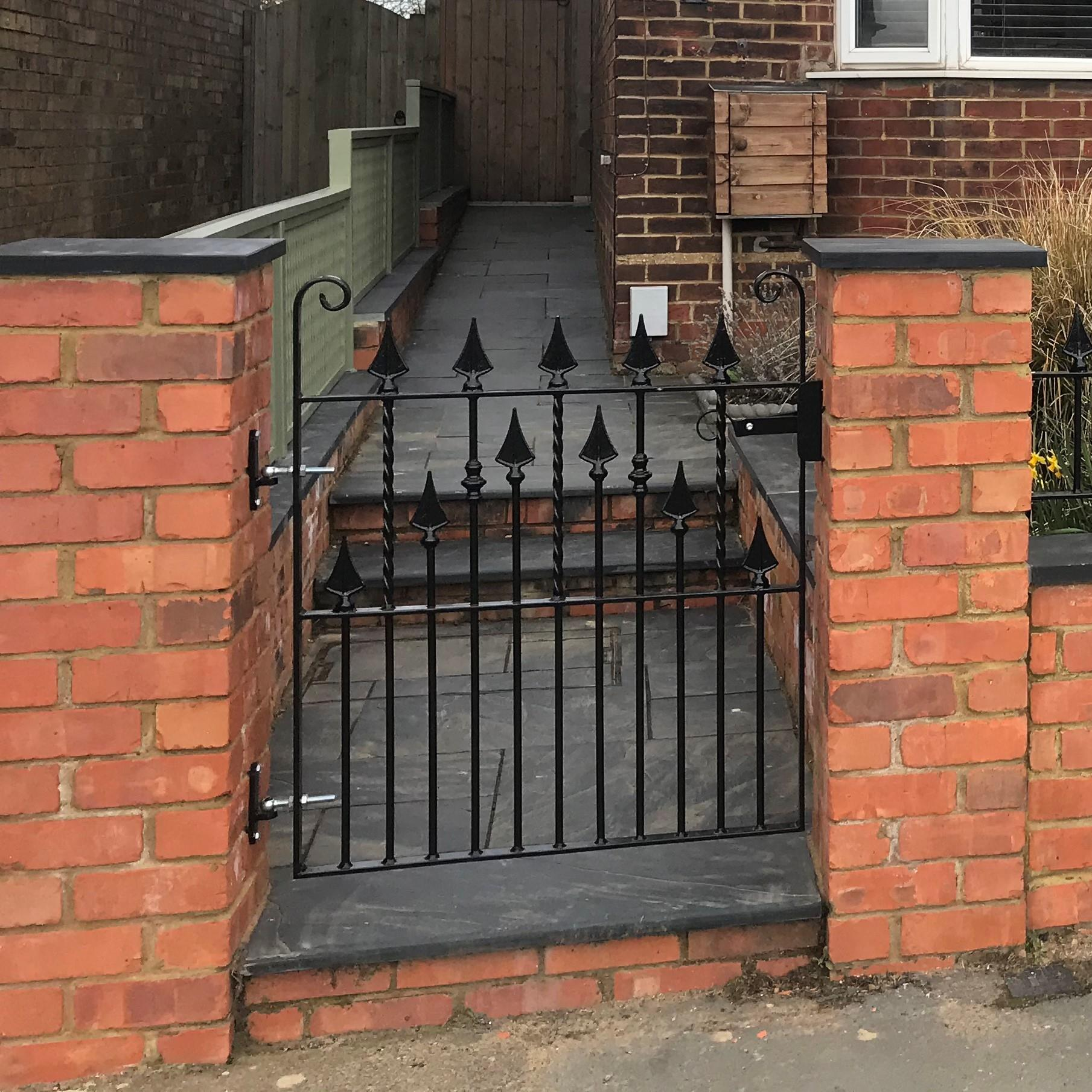 Victorian Gate with Twist Detail